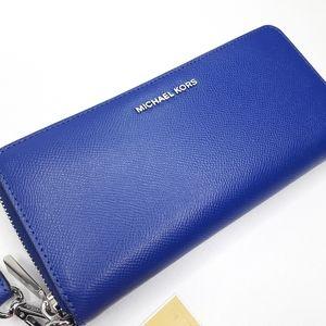 NWT Michael Kors LG Jet Set Wallet Zippered Blue